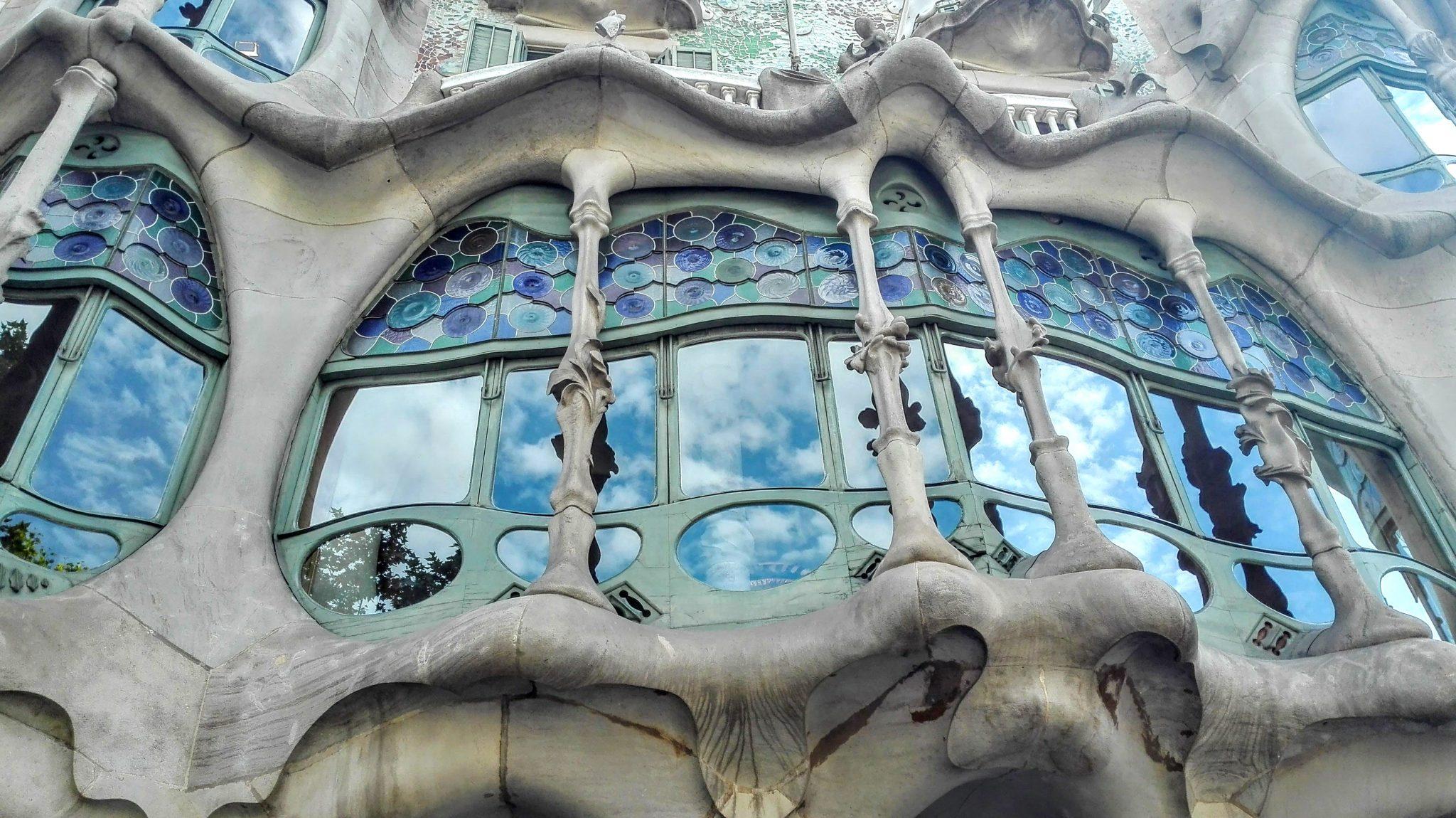 casa_batlló_ventanal