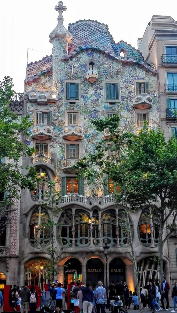 casa_battló_vertical